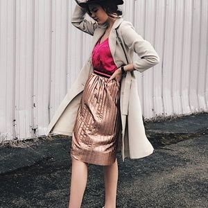 Dresses & Skirts - Pink pleated metallic skirt with neon band